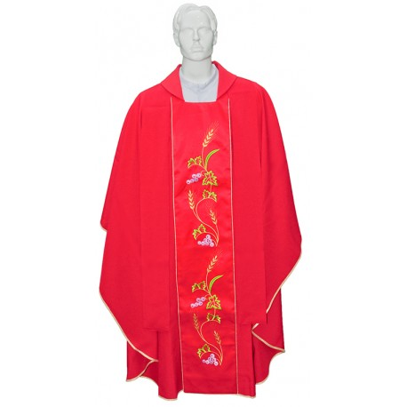 Chasuble with embroidered scapular stole