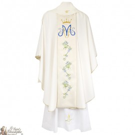 Chasuble for priest with embroidered stole